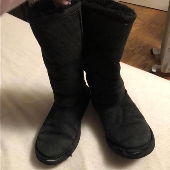 Girls Ugg Boots Size 2 Uggs | Poshmark